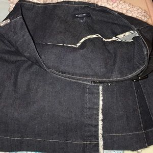 100% authentic Burberry belted denim skirt